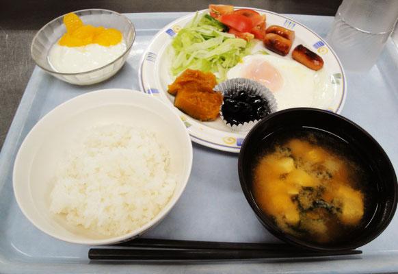 市谷寮 (女子寮) 夕食