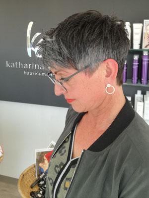 Kurzhaarfrisur von Katharina - Spezialist in Schnitt und Styling (keine Farbveränderung buchbar)
