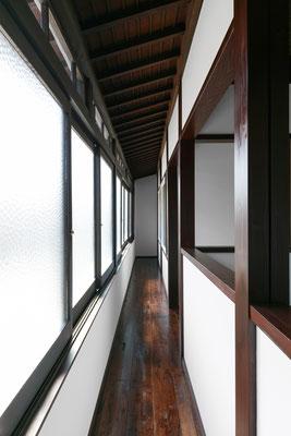 【注文住宅】古民家改修(リノベーション) 鍜冶町の家 玄関の吹抜け