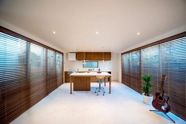 【注文住宅】千葉県松戸市の二世帯住宅 重層長屋の家 1階リビング