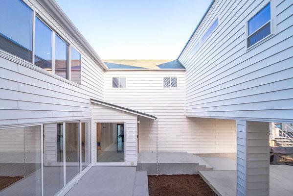 【注文住宅】千葉県松戸市の二世帯住宅 重層長屋の家 中庭