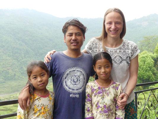BE YOGI Yoga Beate Laudien Yoga Mainz Donation for Nepal - Deepen Diwani Dipika
