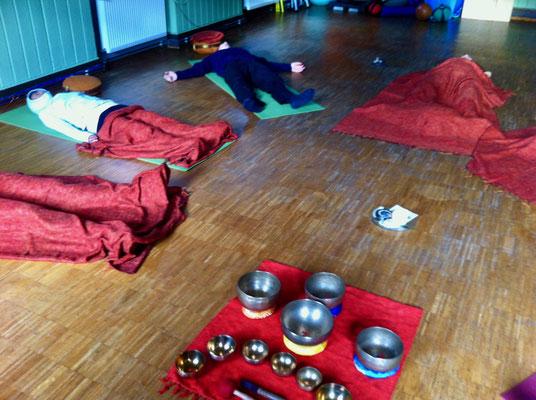 Yoga_Münster_Sarmsheim_Yoga_Bingen_Altes_Rathaus_Klangschalen_Entspannung_Beate_Laudien