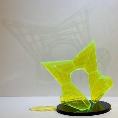 長谷川登 アクリル H23.5×W22.5×D18cm 『Trace of Light -動-』