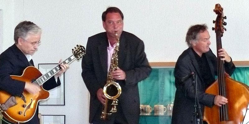+ FRANK ROBERSCHEUTEN & JOS MACHTEL  (2009)