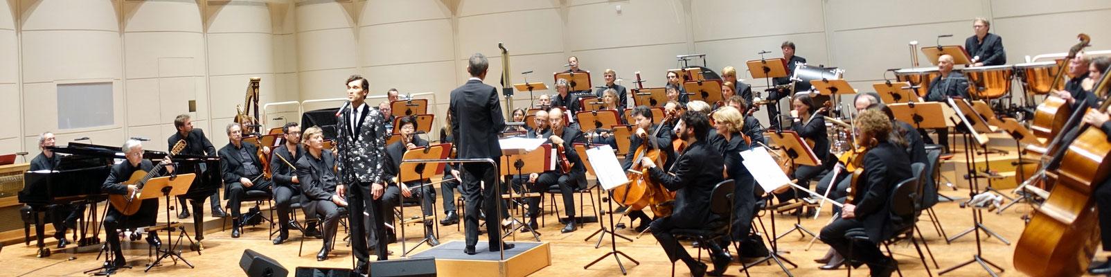 VLADIMIR KORNEEV, voc, LIVIU PETCU, Ltg., WDR Funkhausorchester (Konzerthaus Dortmund, 2017)