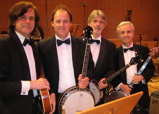4 BANJOS (+ u.a. Markus Wienstroer & Christian Kiefer, Philharmonie Köln, 2009)