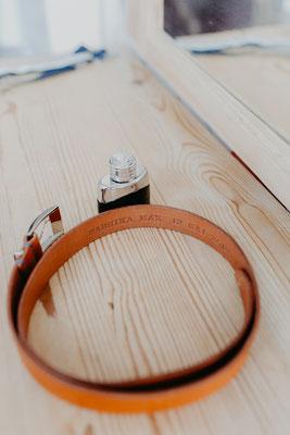 Geschenk zur Hochzeit personalisierter Gürtel