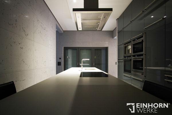 Küche mit Betonoptik Wand