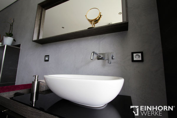 Badezimmer mit betonwand