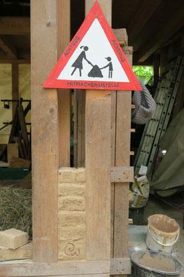 Die Scheune ist eine Kinder-Mitmach-Baustelle