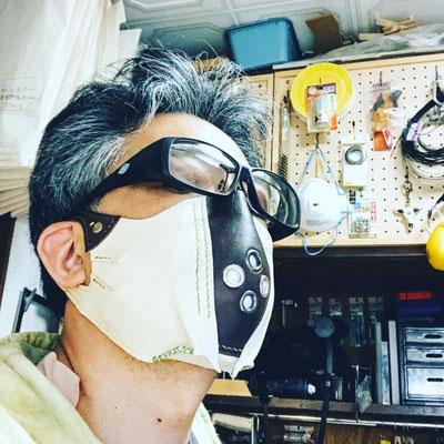 レザーマスク・ド・アボカド 大鼬鼠拳銃郎