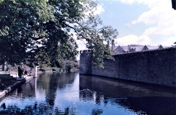 Wassergraben am Bishop's Palace - Foto: Archiv Hans Haußner
