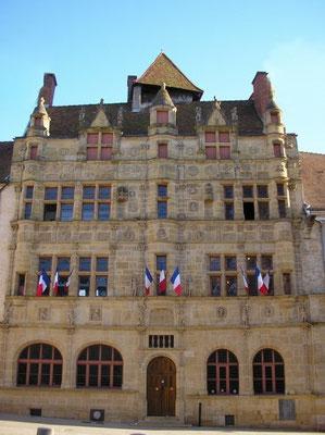 Rathaus (Hotel de Ville) - Foto: www.tourisme-paraylemonial.fr