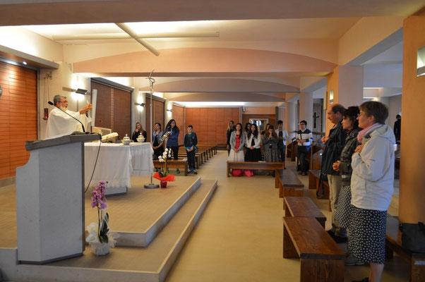 la santa messa celebrata nella nuova cappella sotterranea