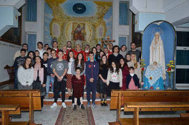 Foto di gruppo col vescovo