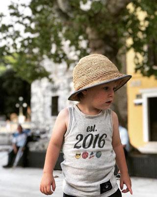 Baby- & Kinderkleidung nur auf Anfrage erhältlich
