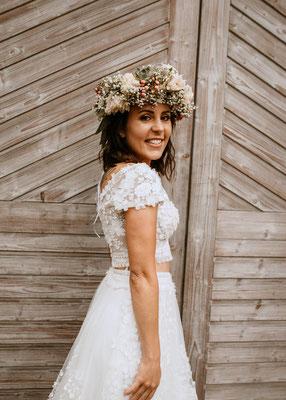 Braut Bohokleid mit Blumenkranz - Hochzeitsfotograf Cornelia Führer aus Wien Schwechat