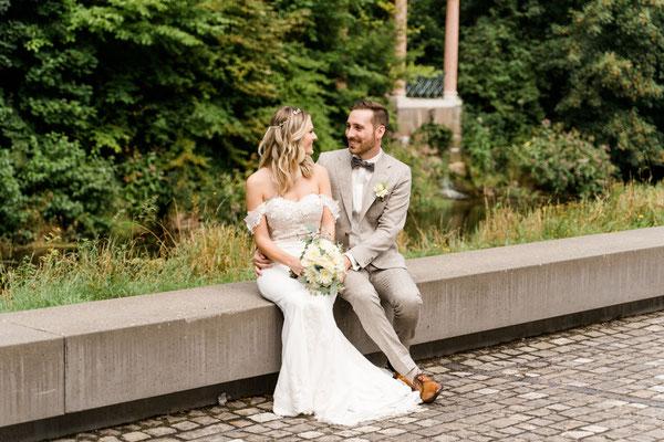 Brautpaarfotos in Donaueschingen im Park