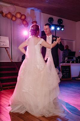 Blitzen beim Hochzeitstanz, Hochzeitsfotograf Cornelia Führer aus Niederösterreich