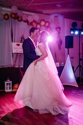 Hochzeitsfotograf Österreich, Brautpaar Tanzfotos, Fotos mit Blitz