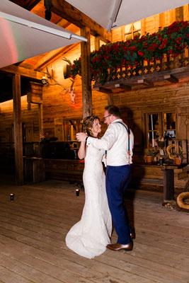 Hochzeitstanz fotografiert von Cornelia Führer