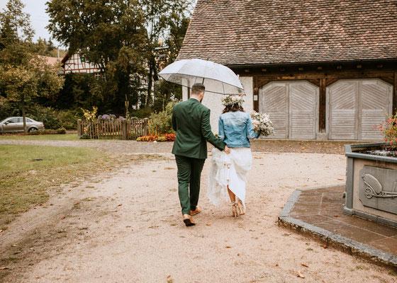 Heiraten bei Regen, Boho wedding, Hochzeitsfotograf Niederösterreich