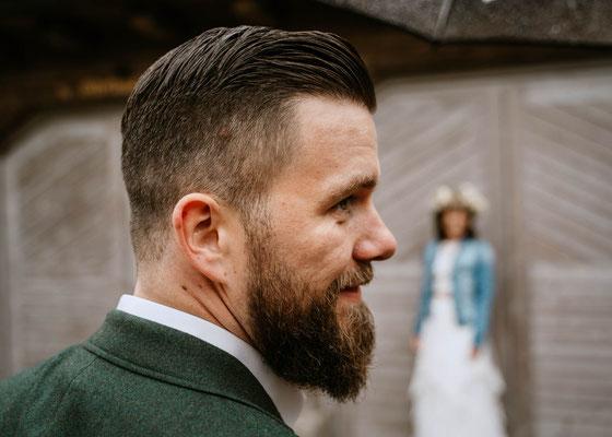 Brautpaar Fotos bei Regen - Hochzeitsfotograf Cornelia Führer aus Wien Schwechat