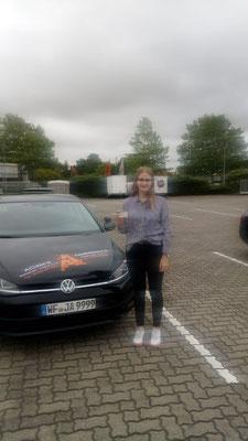 Janina Schwandt hat ihren B Führerschein seit dem 16.07.2019!