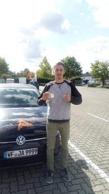 Lennard Härtl hat seinen B Führerschein seit dem 25.09.2018!