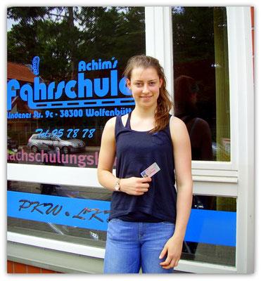 Lina Hieronymi hat ihren B-Führerschein seit dem 18.06.14!
