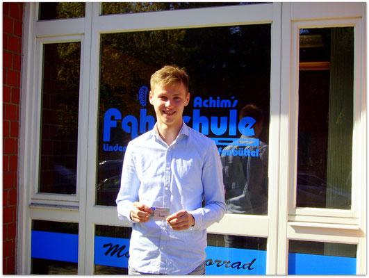 Nico Kowalski hat seinen B-Führerschein seit dem 20.04.15!