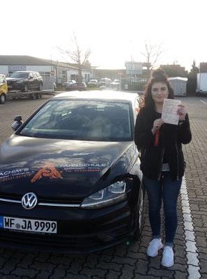 Maxime Dersintzke hat ihren B Führerschein seit dem 10.12.2018!