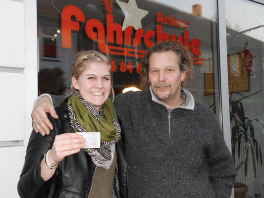 Lisa Weihbusch hat ihren B-Führerschein seit dem 16.12.13!