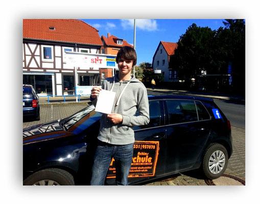 Felix Matzke hat seinen B-Führerschein seit dem 16.04.14!