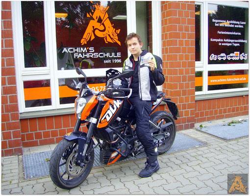 Timo Papendiek hat seinen B-Führerschein seit dem 13.07.16!