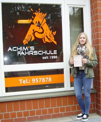 Charlotte Mellin hat ihren B Führerschein seit dem 07.03.2017