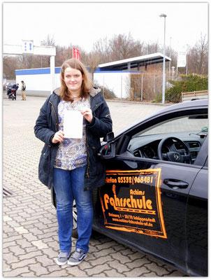 Josephine Klapper hat ihren B-Führerschein seit dem 26.03.15!