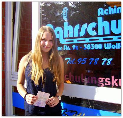 Julia Müller hat ihren B-Führerschein seit dem 18.08.14!