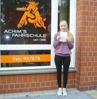 Marie Giudera hat ihren B Führerschein seit dem 27.10.16