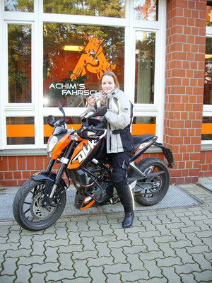 Alicia Bettler hat ihren A1 Führerschein seit dem 21.12.16