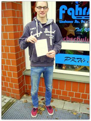 Simon Gaede hat seinen B-Führerschein seit dem 18.12.14!