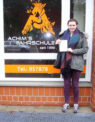 Lena Hagemeister hat ihren B Führerschein seit dem 23.02.17