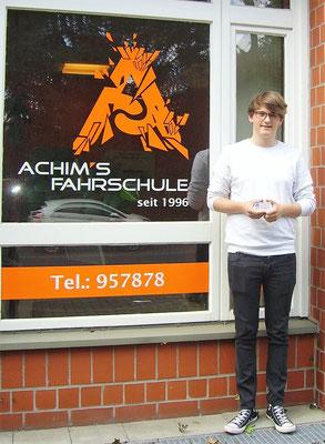 Joshua Rogalski hat seinen B Führerschein seit dem 12.06.2017