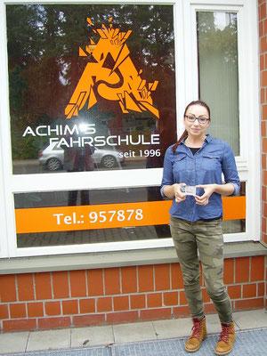 Emilia Mokrzycka hat ihren B Führerschein seit dem 19.04.2017