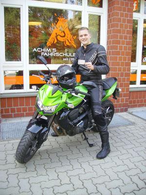 Julien Nause hat seinen A-Führerschein seit dem 19.08.16!