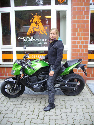 Nadine Berger hat ihren A-Führerschein seit dem 21.08.2017