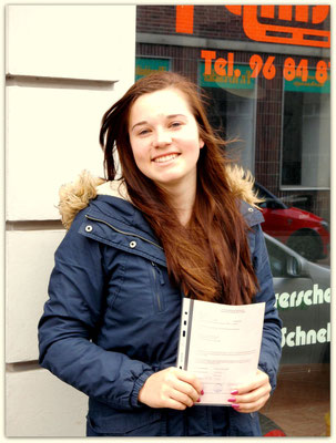 Lisa Sauerzapfe hat ihren B-Führerschein seit dem 09.05.14!