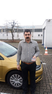 Saadow Hussein hat seinen B Führerschein seit dem 08.01.2019