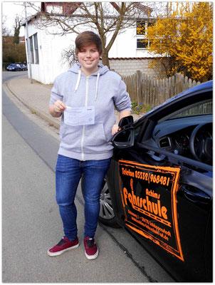 Sophie Tostmann hat ihren B-Führerschein seit dem 13.04.15!